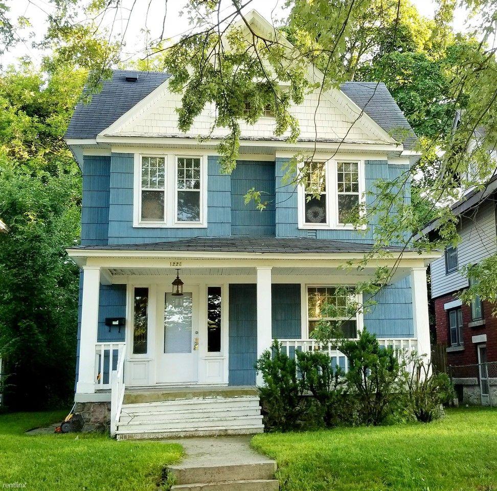 Apartments In Eastown Grand Rapids: 1228 Logan St Se, Grand Rapids, MI 49506 4 Bedroom House