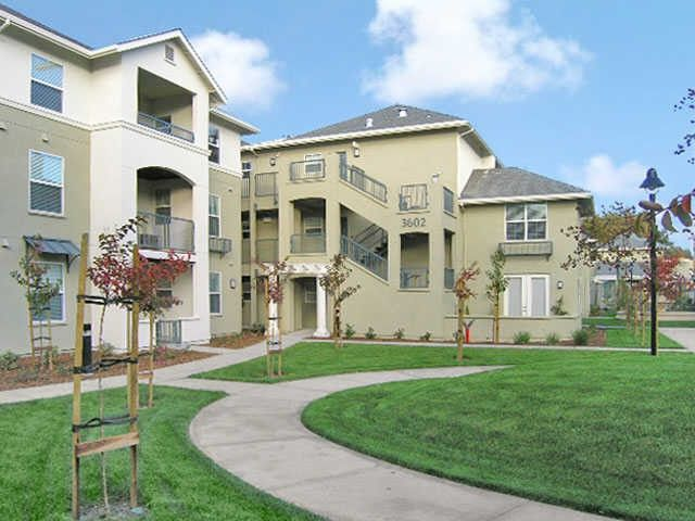 Catalina Luxury Apartments 3600 Flora Vista Ave Santa Clara Ca 95051 Zumper