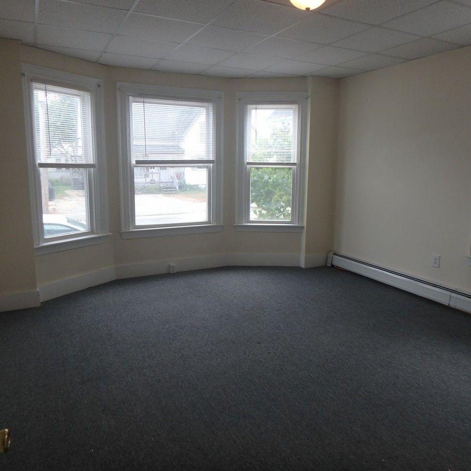 Apartments For Rent Under 1000 Near Me: 1, Auburn, ME 04210 2 Bedroom Apartment