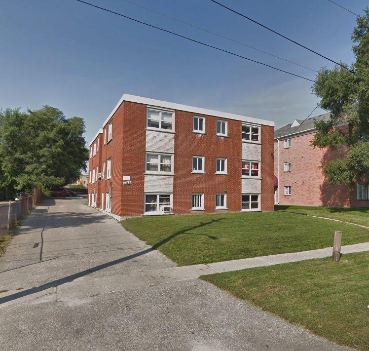 208 Park Road North #1, Oshawa, ON L1J 4L8 1 Bedroom