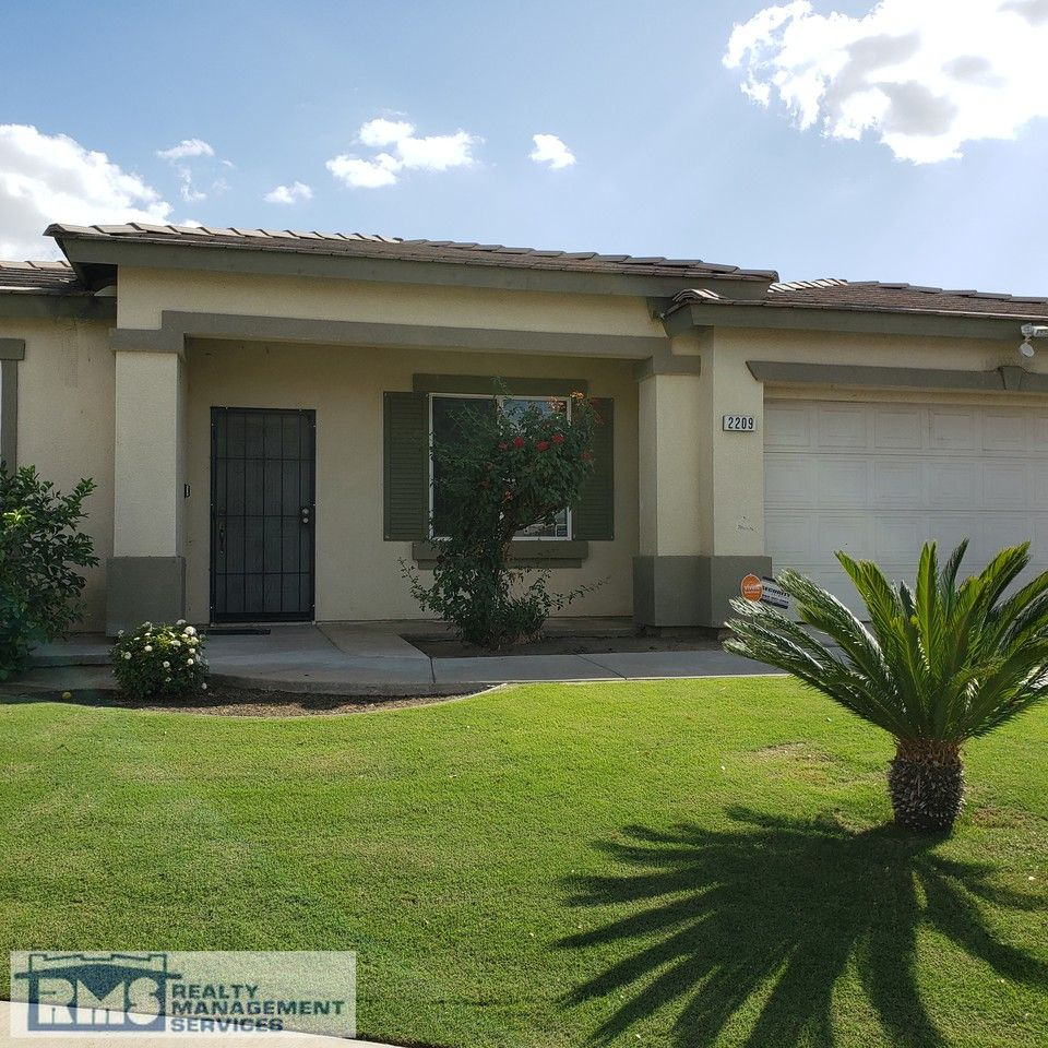 2209 McGwire Court, Bakersfield, CA 93313 4 Bedroom House