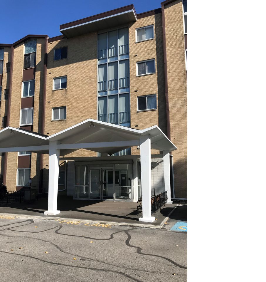 Berea Ohio Apartments For Rent: 25735 Lorain Rd #424, North Olmsted, OH 44070 1 Bedroom