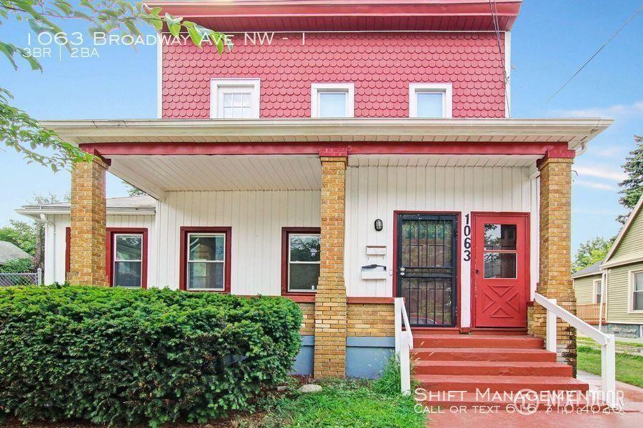 1063 Broadway Ave Nw #1, Grand Rapids, MI 49504 3 Bedroom ...