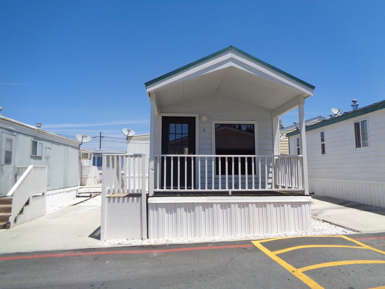 12710 3rd Street Space 5 Yucaipa Ca 92399 1 Bedroom Apartment For Rent For 1 095 Month Zumper