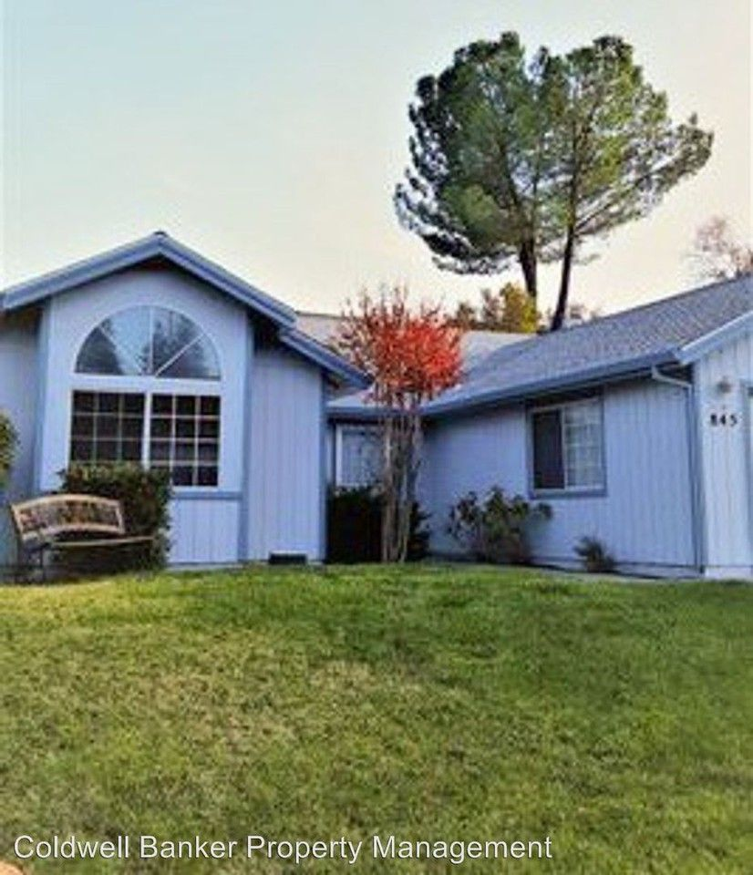 Apartments Near Me No Deposit: 845 Spaniel Drive, Redding, CA 96003 3 Bedroom House For