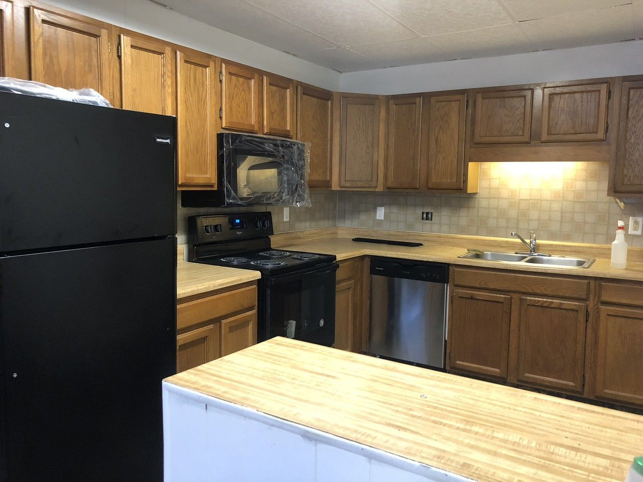 2550 Kutztown Road 1 F Reading Pa 19605 Studio Apartment For Rent For 875 Month Zumper