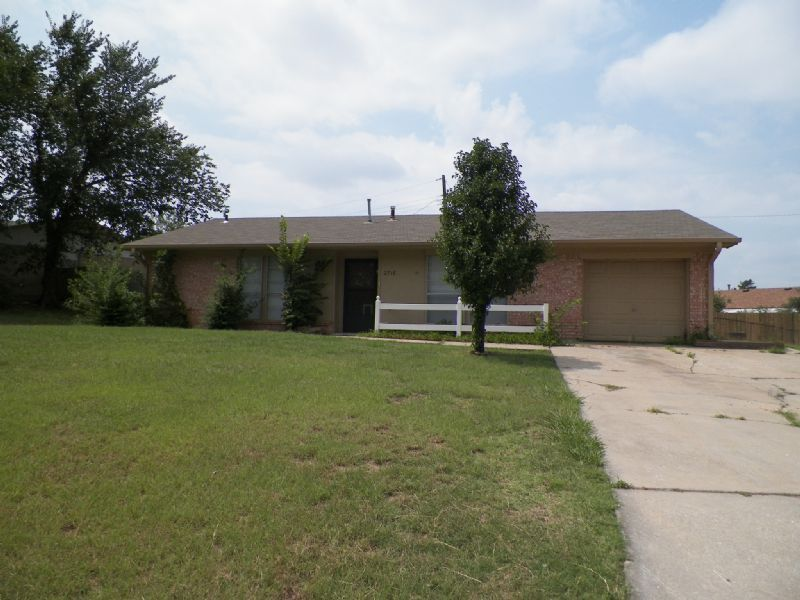 2716 Nw Hilltop Drive Lawton Ok 73507 3 Bedroom House