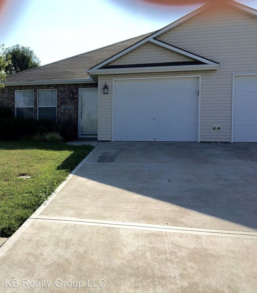 9326 Se 2nd St, Blue Springs, MO 64064 3 Bedroom House For