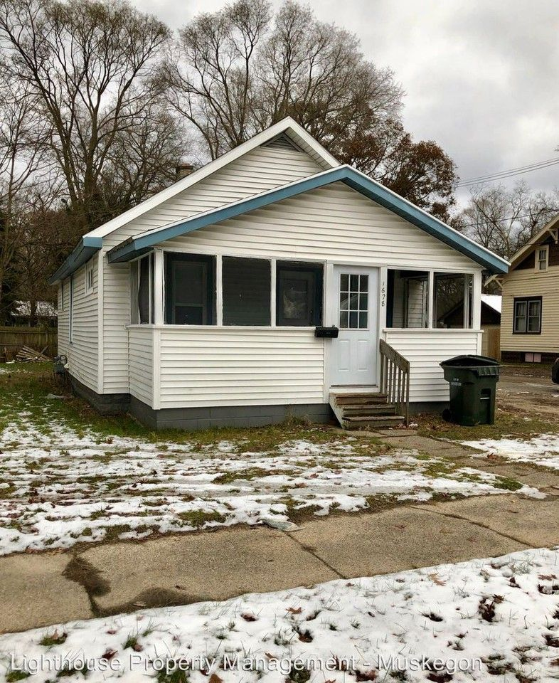 1628 Mcillwraith, Muskegon, MI 49442 2 Bedroom House For