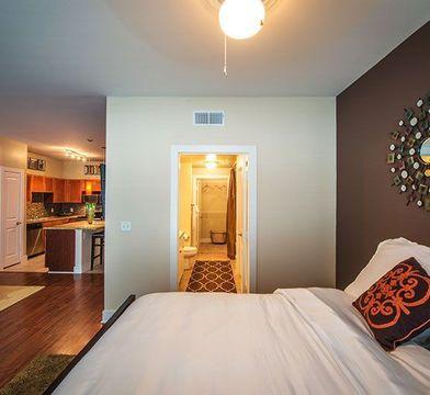Easton Apartments - Photo 1
