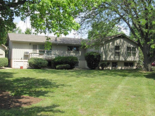 1725 Robert Drive 4 Champaign Il 61821 2 Bedroom House