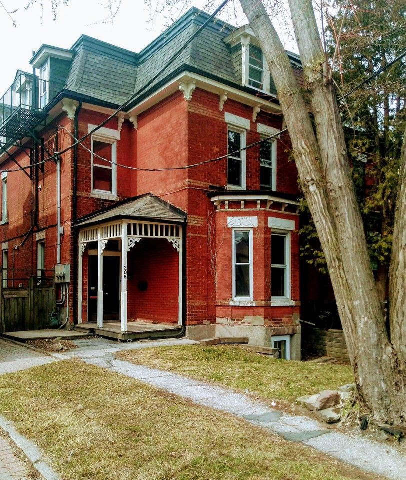 206 Dovercourt Road, Toronto, ON M6J 3C8 Studio Apartment