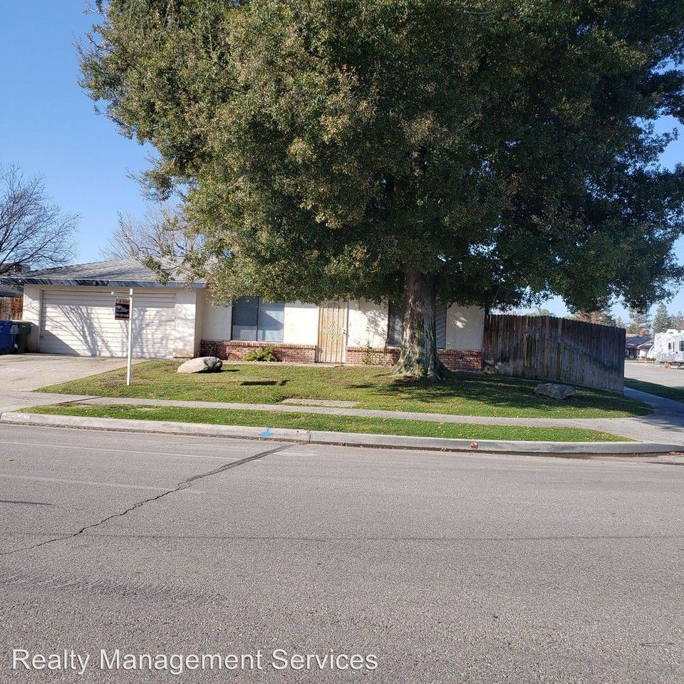 6913 Patton Way, Bakersfield, CA 93308 3 Bedroom House For