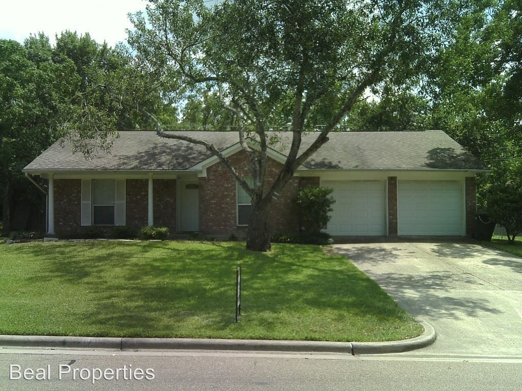 1106 Westover College Station Tx 77840 3 Bedroom House