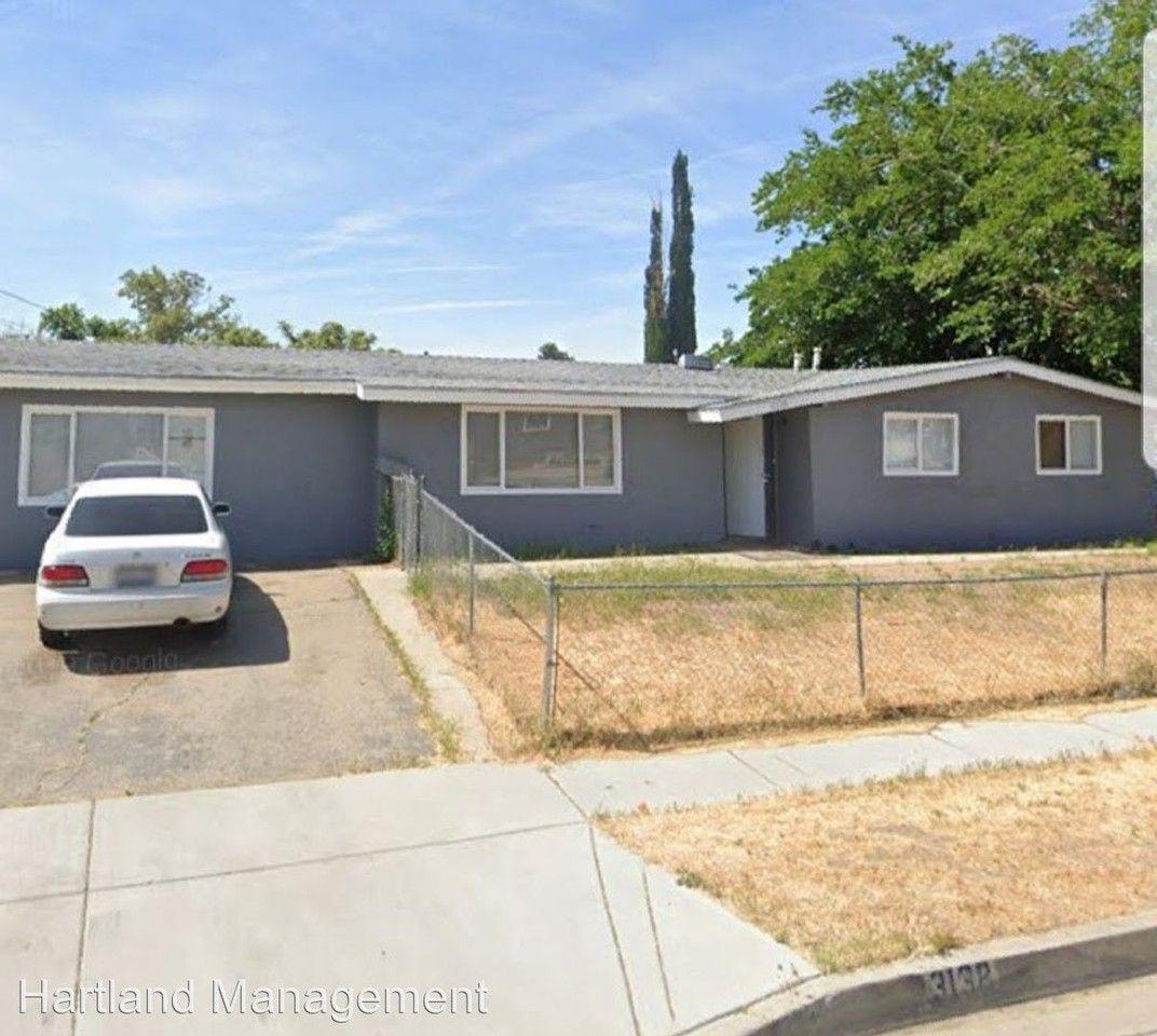 3138 E. Avenue Q4, Palmdale, CA 93550 4 Bedroom House For
