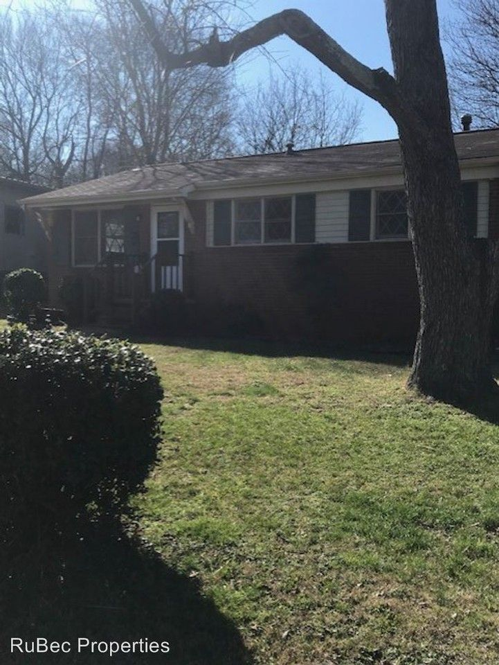 222 Mattoon St Charlotte Nc 28216 3 Bedroom House For Rent For 1 100 Month Zumper