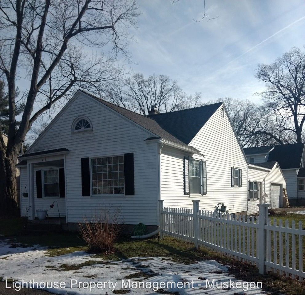 713 E Larch Ave, Muskegon, MI 49442 2 Bedroom House For