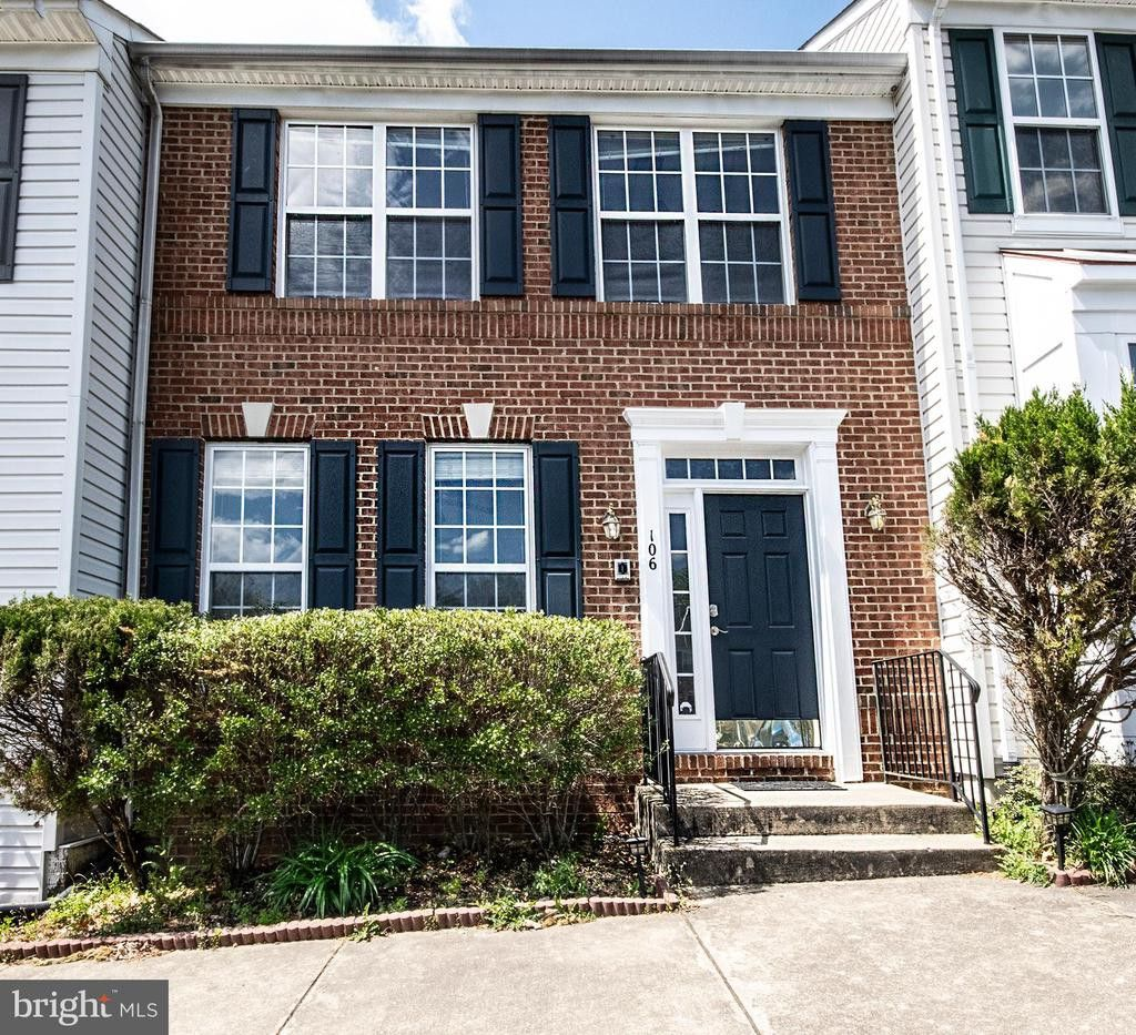 106 Hillside Court, Stafford, VA 22554 3 Bedroom Apartment