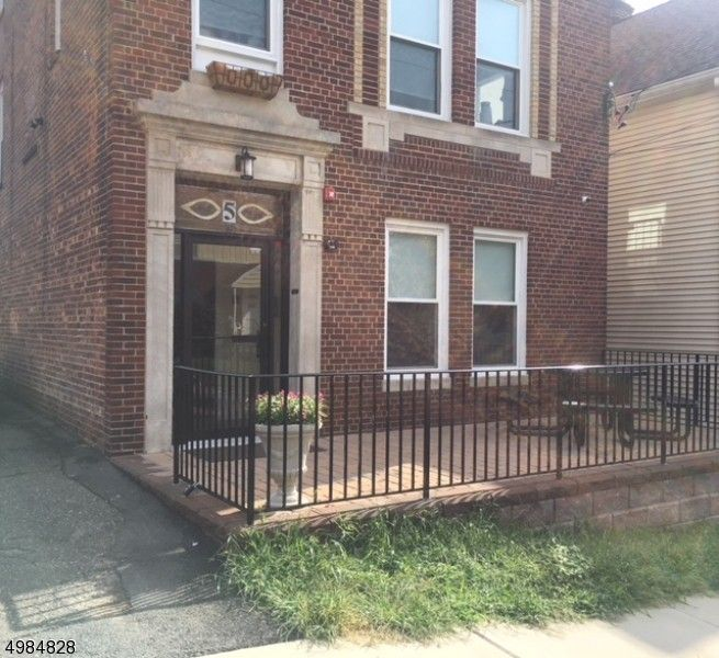 1 Bedroom Apartments For Rent Near Me: 5 Howard Pl Apt 2, Nutley, NJ 07110 1 Bedroom Apartment