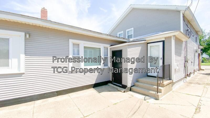 215 1/2 20th Ave, Ottawa, IL 61350 - 4 Bedroom Apartment ...