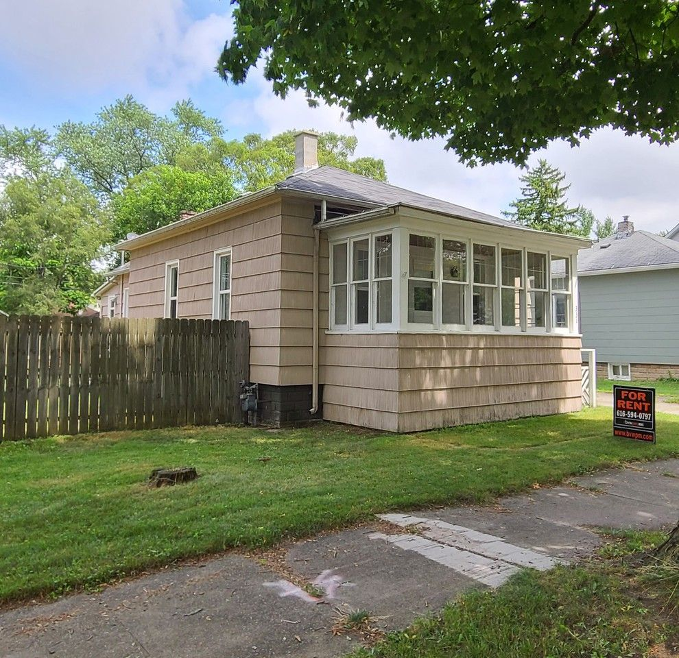 331 W 20th St, Holland, MI 49423 2 Bedroom House For Rent