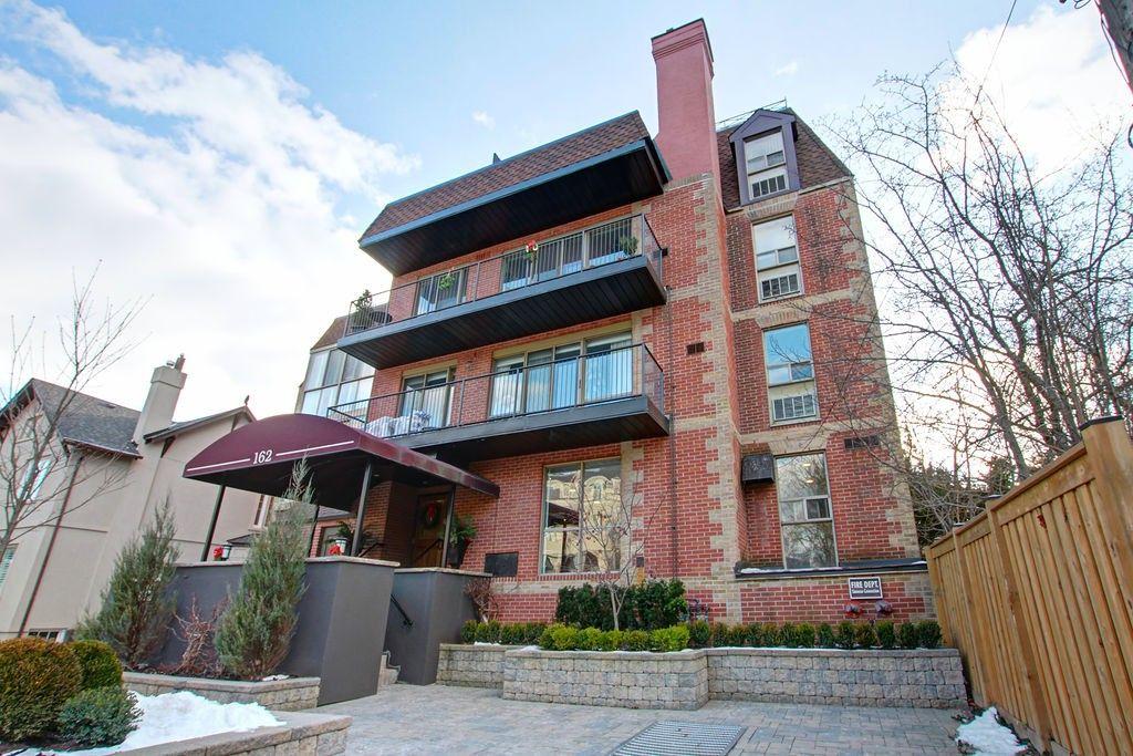 162 Reynolds Street 204 Oakville On L6j 3k9 2 Bedroom Condo For Rent For 3 350 Month Zumper