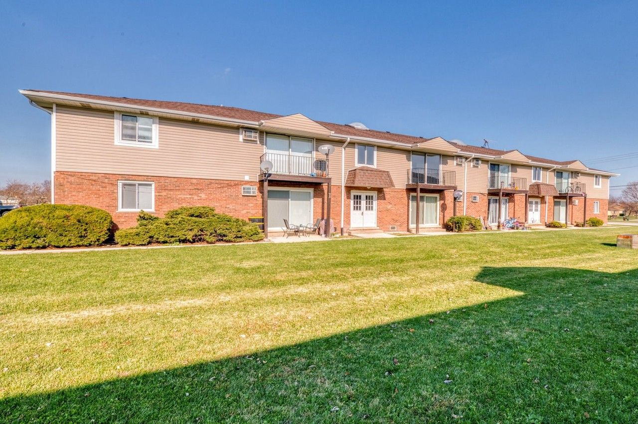 1713 1713 Nelson Rd 3 New Lenox Il 60451 2 Bedroom Apartment For Rent For 1 200 Month Zumper