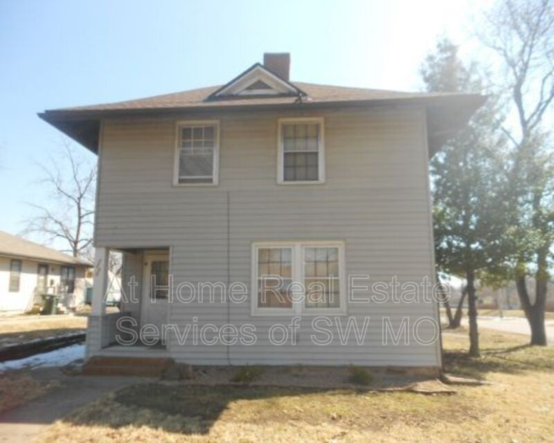 1200 N Summit Ave Springfield Mo 65802 5 Bedroom House For Rent For 1 200 Month Zumper