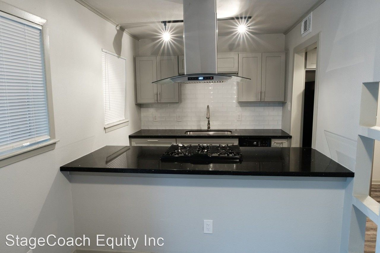2801 Carrolton St Apartments for Rent in Gulfgate - Pine ...