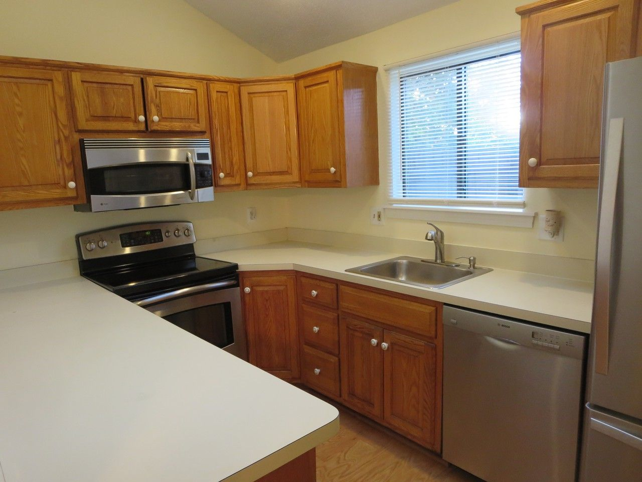 200 Trolley Cir 200, Milford city, CT 200 20 Bedroom Apartment for ...