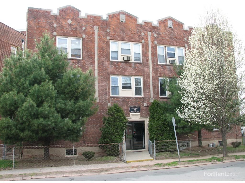 Oxford gardens apartments for rent 70 circular ave - 2 bedroom apartments for rent in hamden ct ...