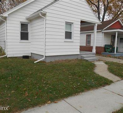 E Of Van Dyke Between 8 Mile And 9 Mile Warren Mi 48089 2 Bedroom House For Rent For 675 Month Zumper