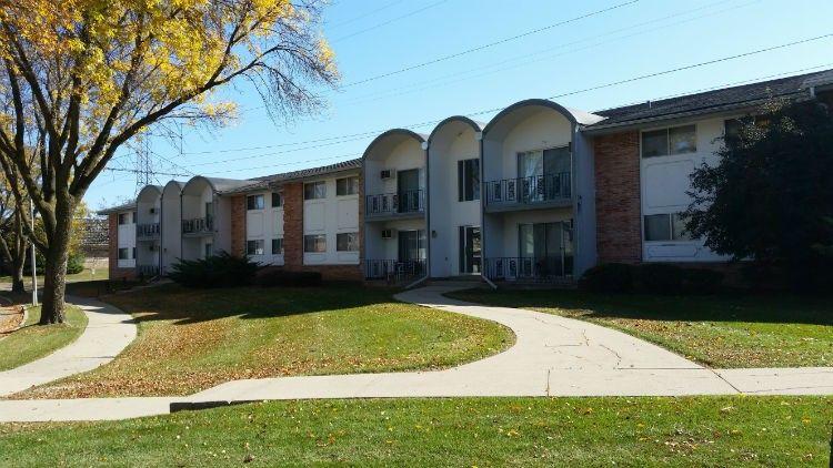 Deer Trail Apartments 9800 9875 Menomonee Park Court