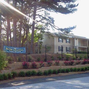 Eagles Nest Apartments For Rent 2900 Landrum Dr Sw Atlanta Ga
