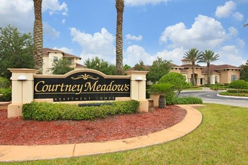 Courtney Meadows Apartments For Rent 7820 Baymeadows Rd