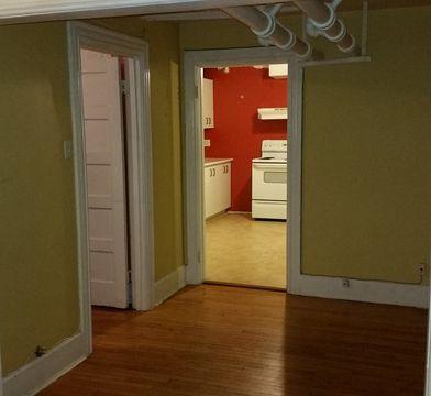 2050 Boulevard Décarie, Montréal, QC H4A 3J3 2 Bedroom ...