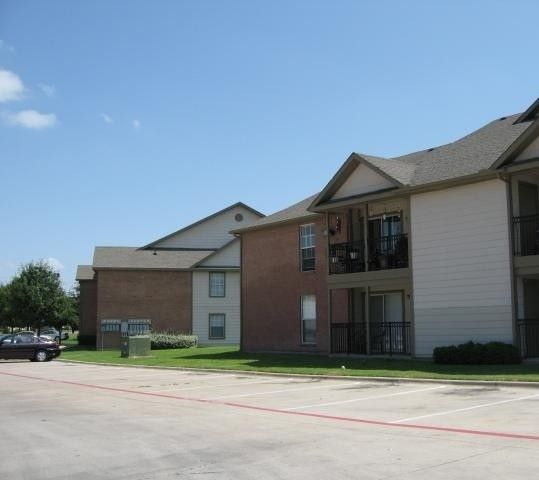River Oaks Apartments Login: 6901 N Beach St #1753, Fort Worth, TX 76137 1 Bedroom