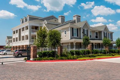 Hawthorne at Victoria Apartments for Rent - 2402 N Ben Wilson St